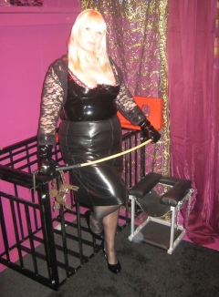 mistress linda of leeds